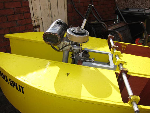 Seagull outboard motor on DIY fishing and diving kayak ...
