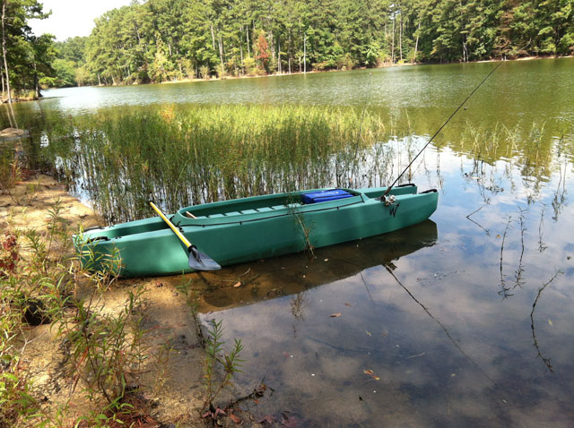 Allatoona-Wavewalk-kayak-beached