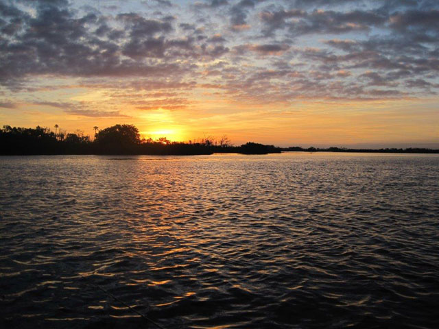 beautiful-sunrise-on-the-water-Florida-11-2013