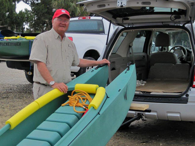 art-loading-his-kayak-into-his-suv