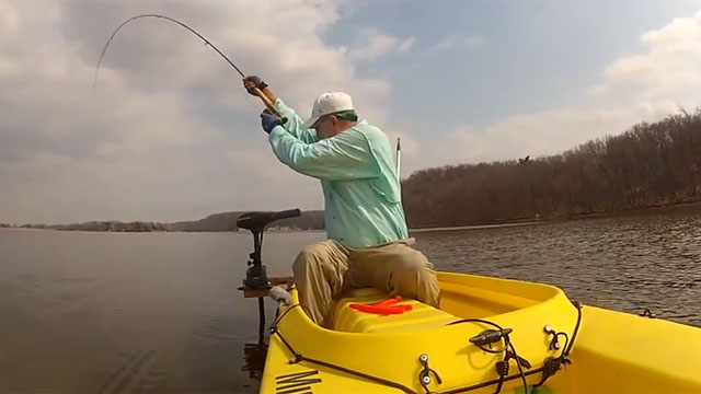 fly-fishing-for-carp-wavewalk-kayak