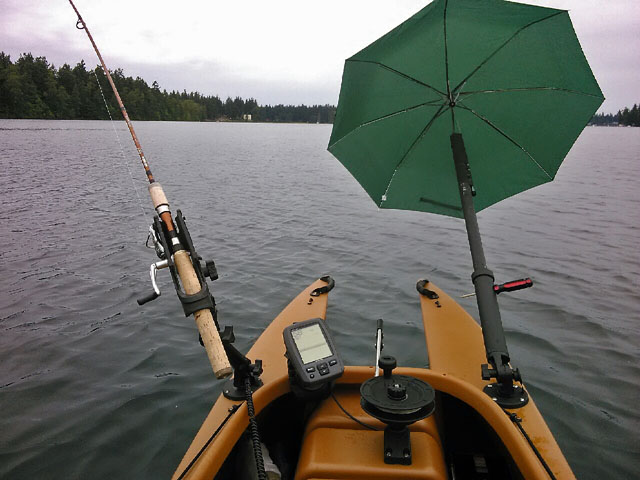 Umbrealla-rig-for-kayak-sailing-downwind-while-trolling