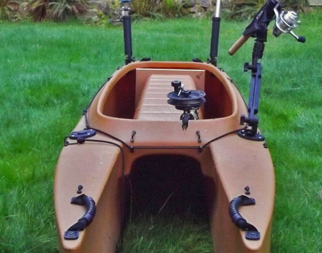 trolling-kayak-outfitted-with-downrigger-and-deck-mounted-rod-holders (2)