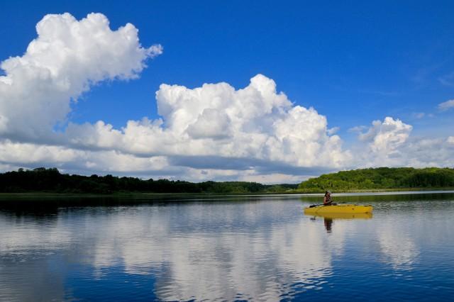 jeanne-paddling-her-kayak