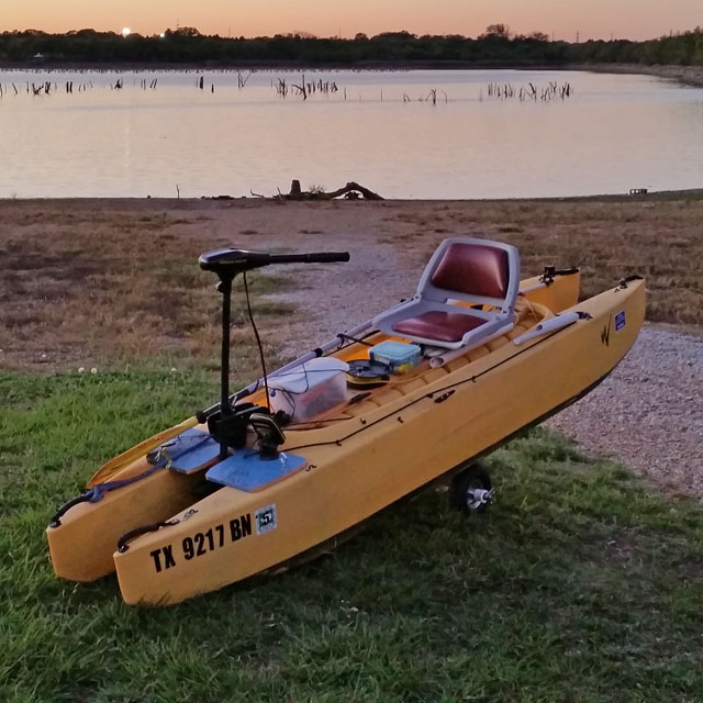 Wavewalk-fishing-kayak-with-front-mounted-electric-motor-Dallas-TX-closeup