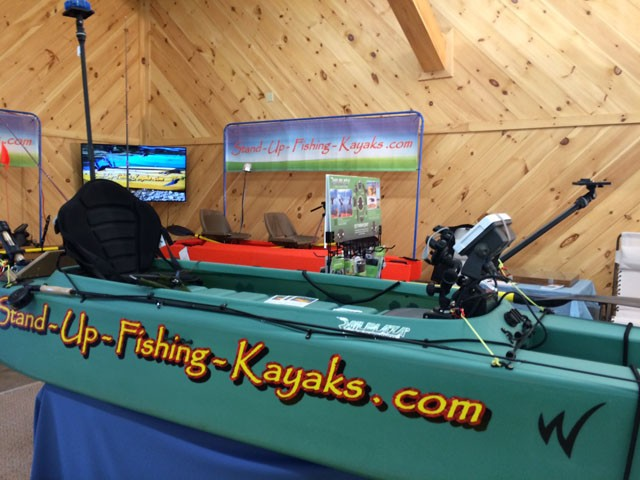 fishing-kayak-outfitted-with-electronics-and-safety-light