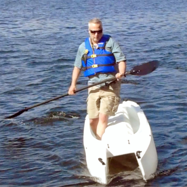 Absolute stability kayak: Wavewalk 700