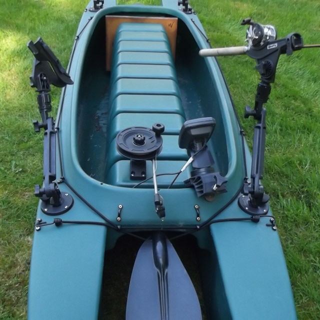 kayak-rigged-for-trolling-with-downrigger-closeup