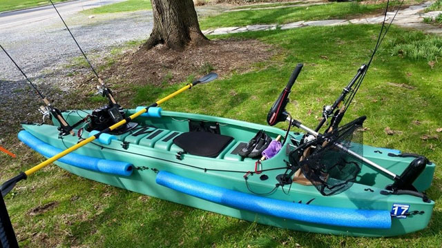Rodney's-fishing-kayak-rigged-with-trolling-motor