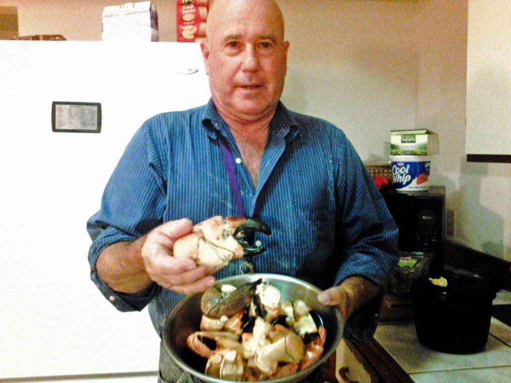 pot-full-of-crab-claws