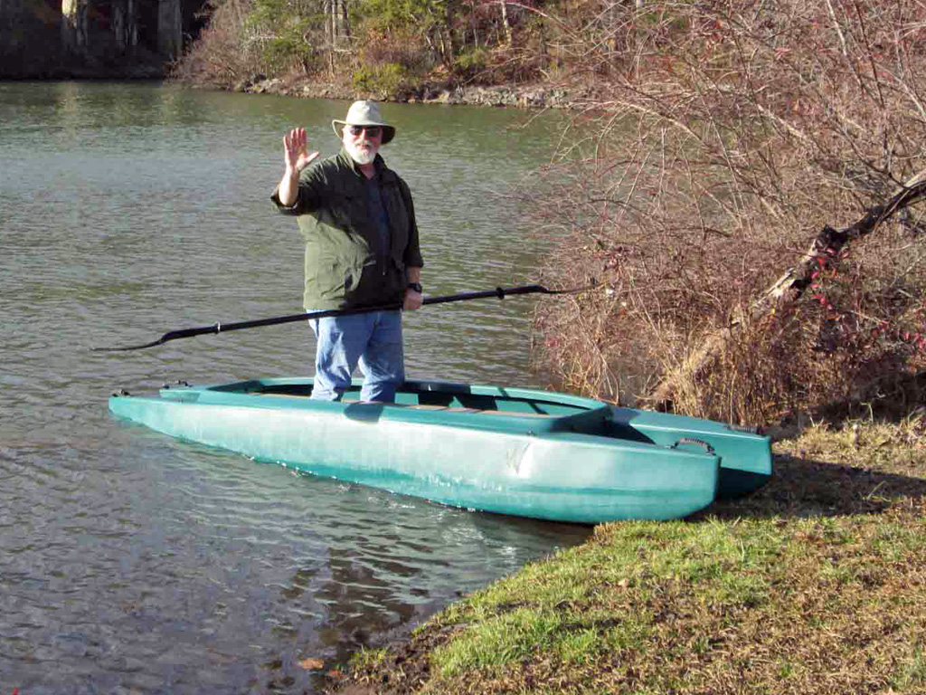 beaching-the-kayak-stand-up-easily
