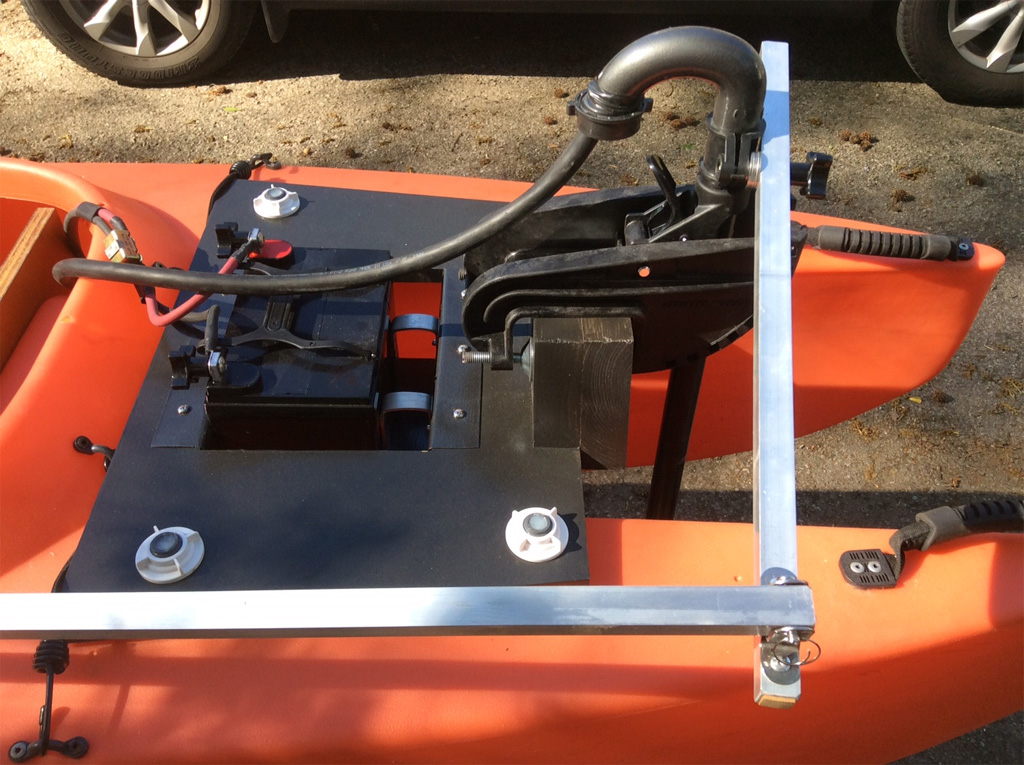 electric-trolling-motor-and-steering-bar-1024