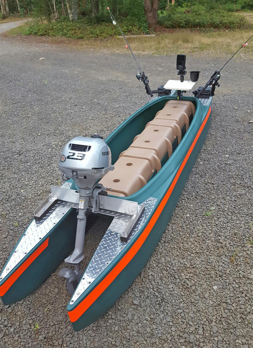 Wavewalk-700-with-2.3HP-Honda-outboard-motor-1024 (3)