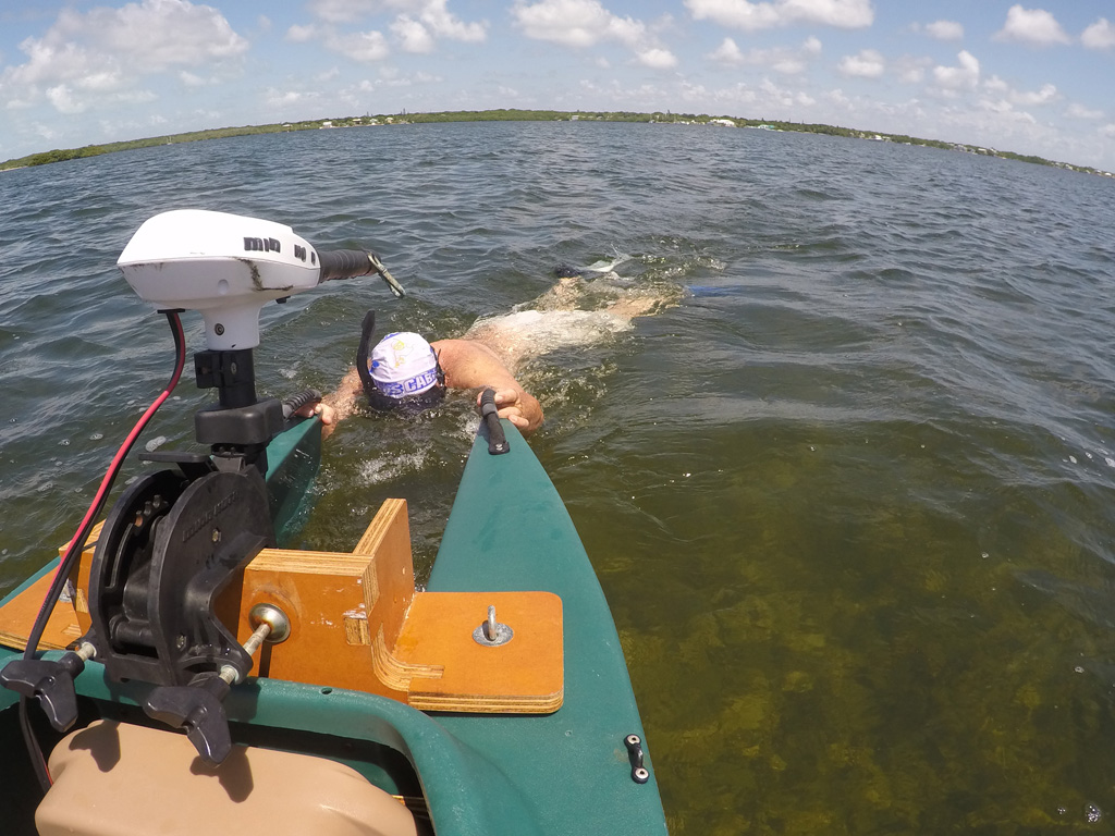 electric-Wavewalk-700-kayak-for-catching-lobster