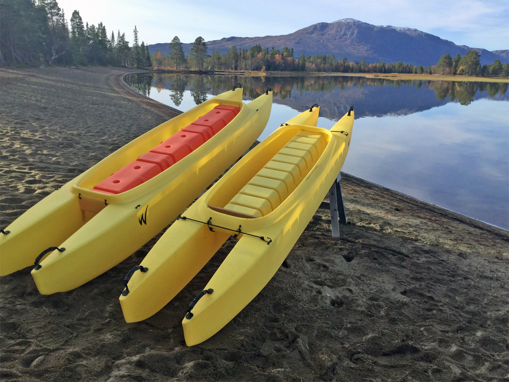wavewalk-700-and-wavewalk-500-fishing-kayaks-by-the-lake-1024