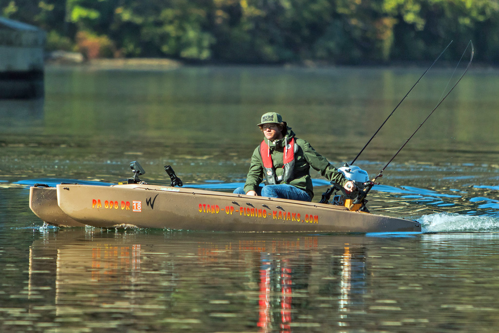 fisherman-driving-motorboat-on-susquehanna-river-02