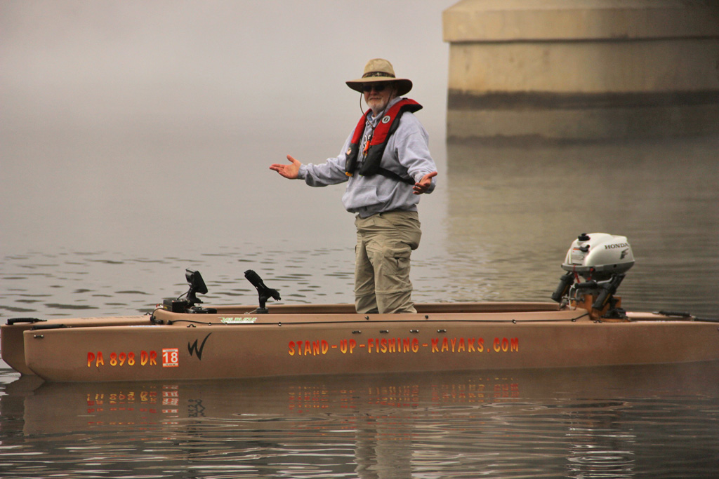 fisherman-standing-in-his-motorboat-susquehanna-river-pa-01-1024