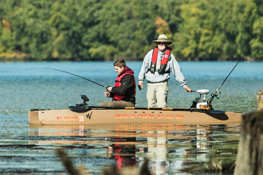 two-person-electric-kayak-for-fishing-01-1024