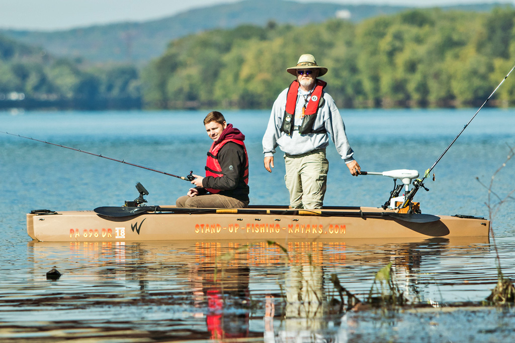 two-person-electric-kayak-for-fishing-02-1024