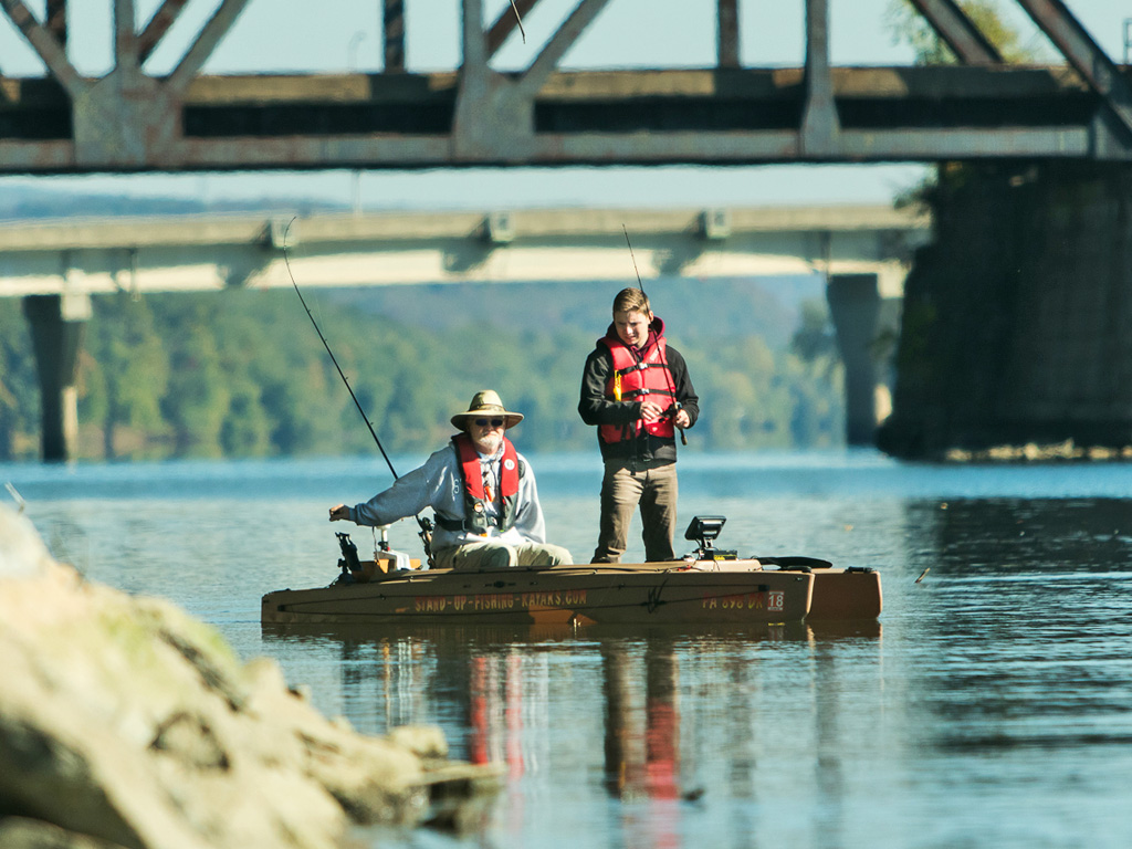 two-person-electric-kayak-for-fishing-03-1024