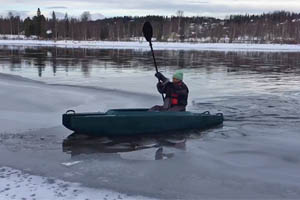 Ice kayaking on Indalsälven river, Sweden