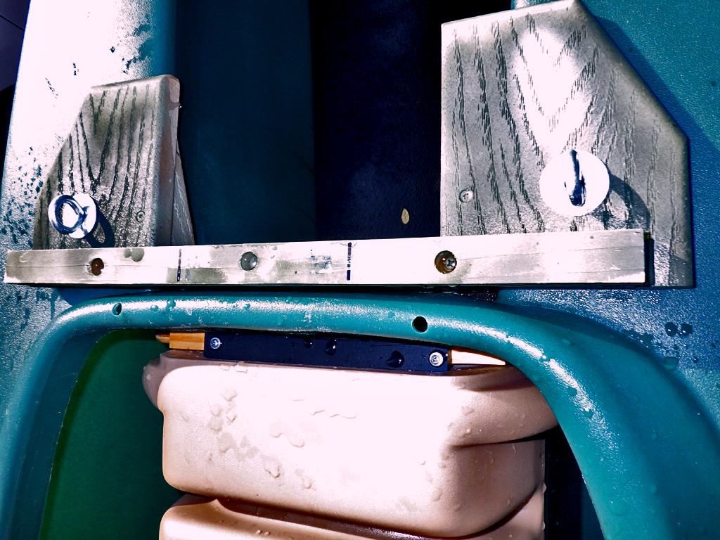 """DIY-motor-mount-for-short-shaft-15""""-outboard-motor"""