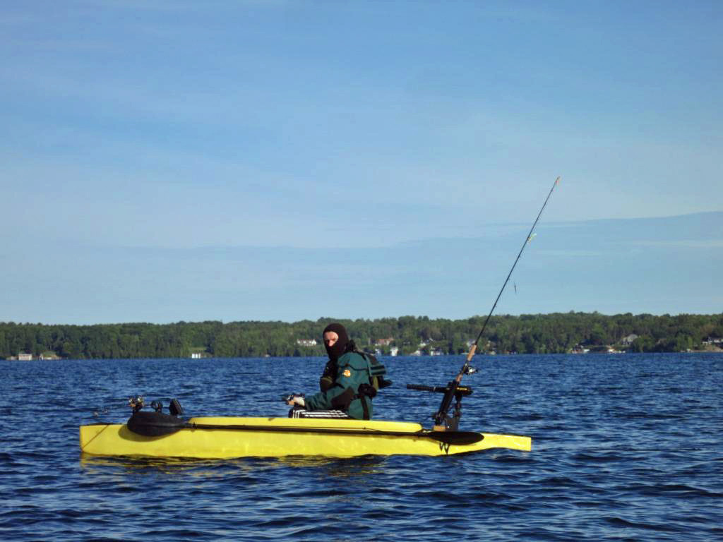 Pictures of my electric wavewalk 500 fishing kayak for Fishing boat motor