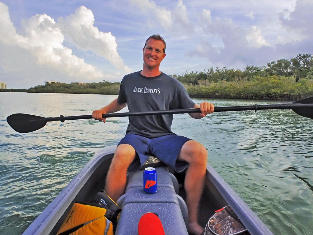 Kayaking seated with no back pain - Wavewalk kayaks
