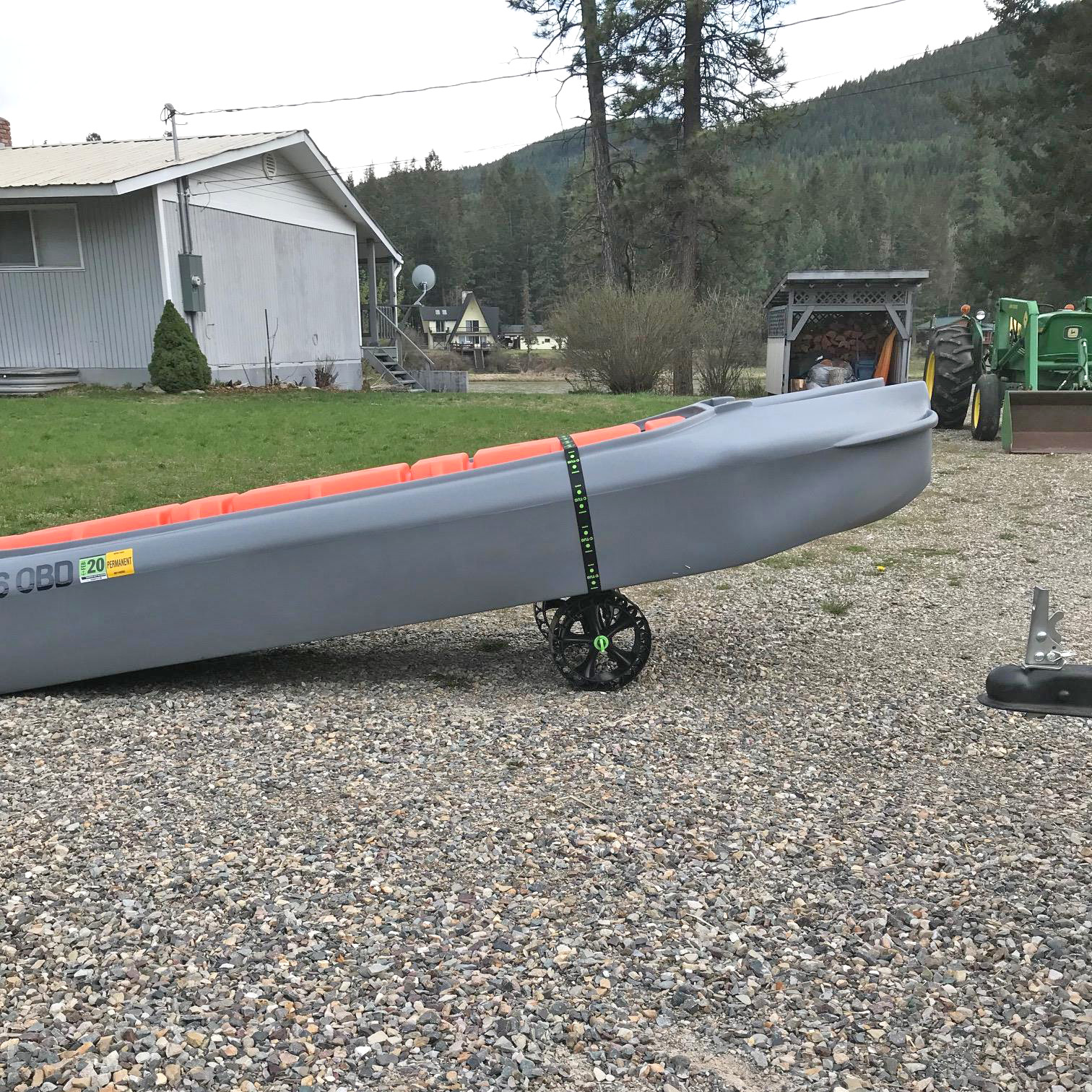 Transportation dolly for Wavewalk S4 kayak