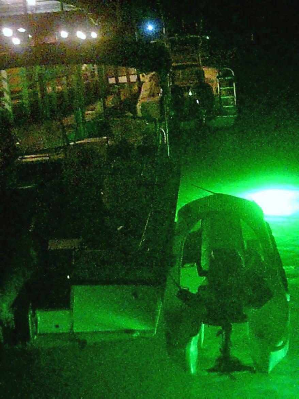 S4 skiff rescues Grady White boat