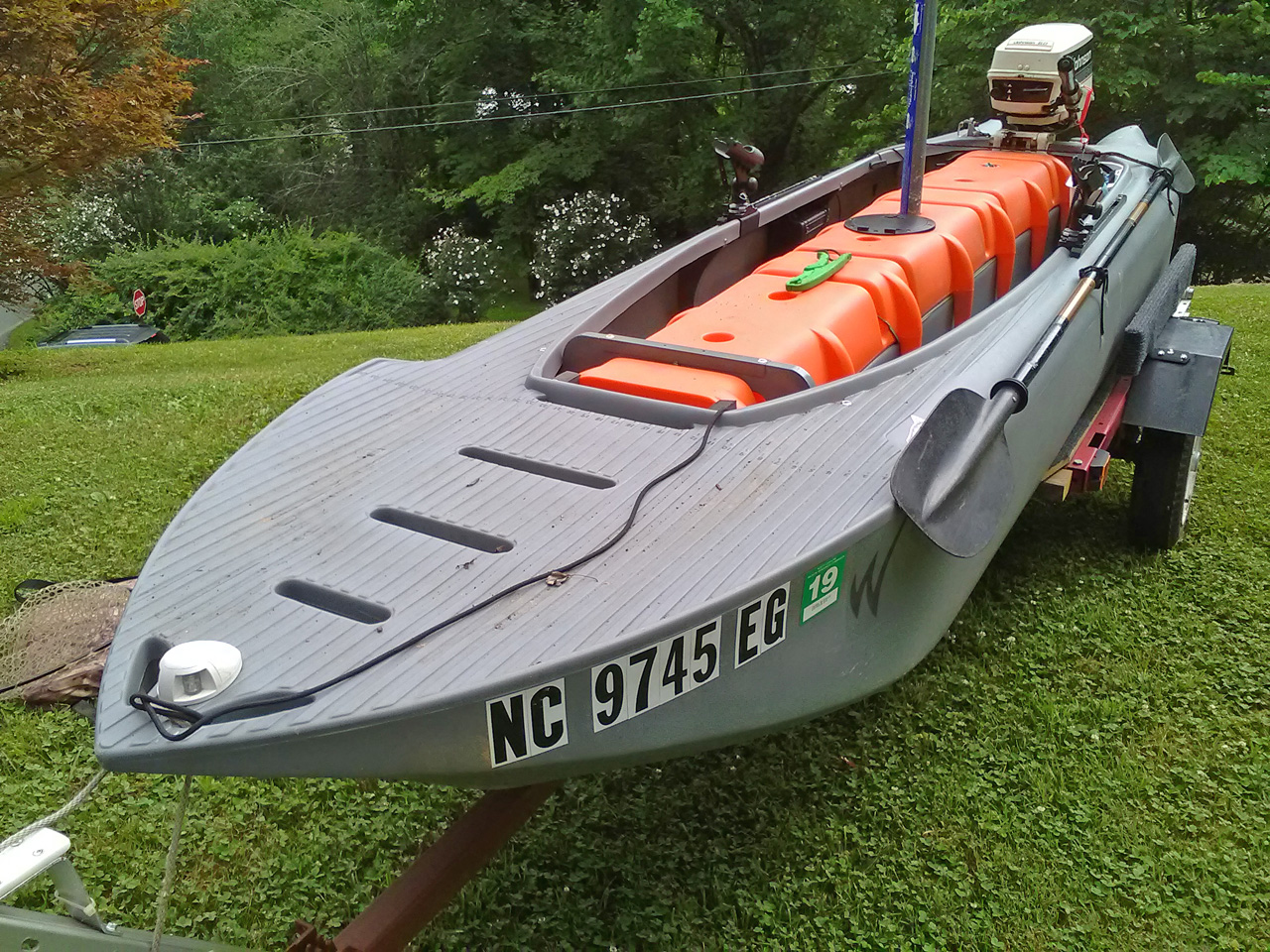 Wavewalk S4 motorized kayak skiff