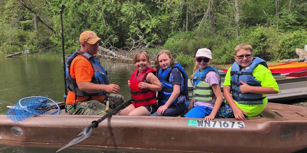 Wavewalk S4 tandem fishing kayak with 5 passengers on board