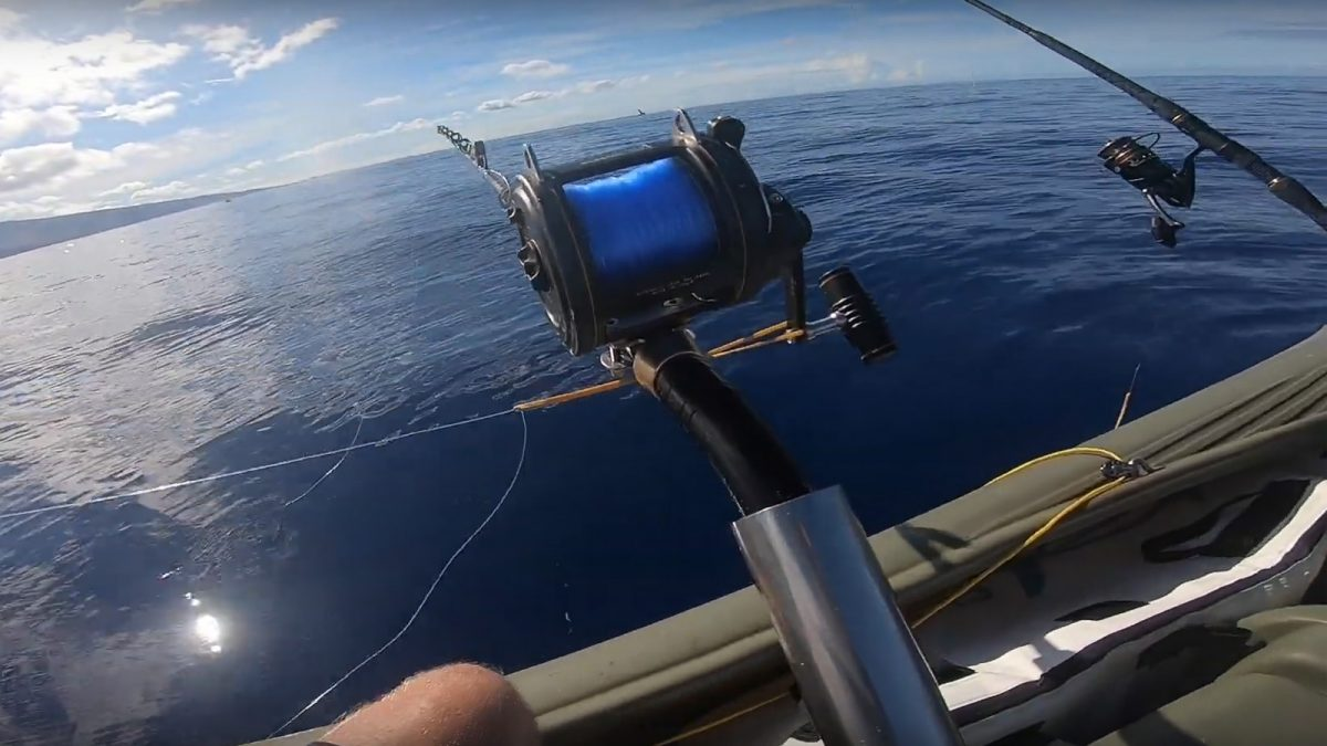 Live baiting for pelagic fish on a Wavewalk S4
