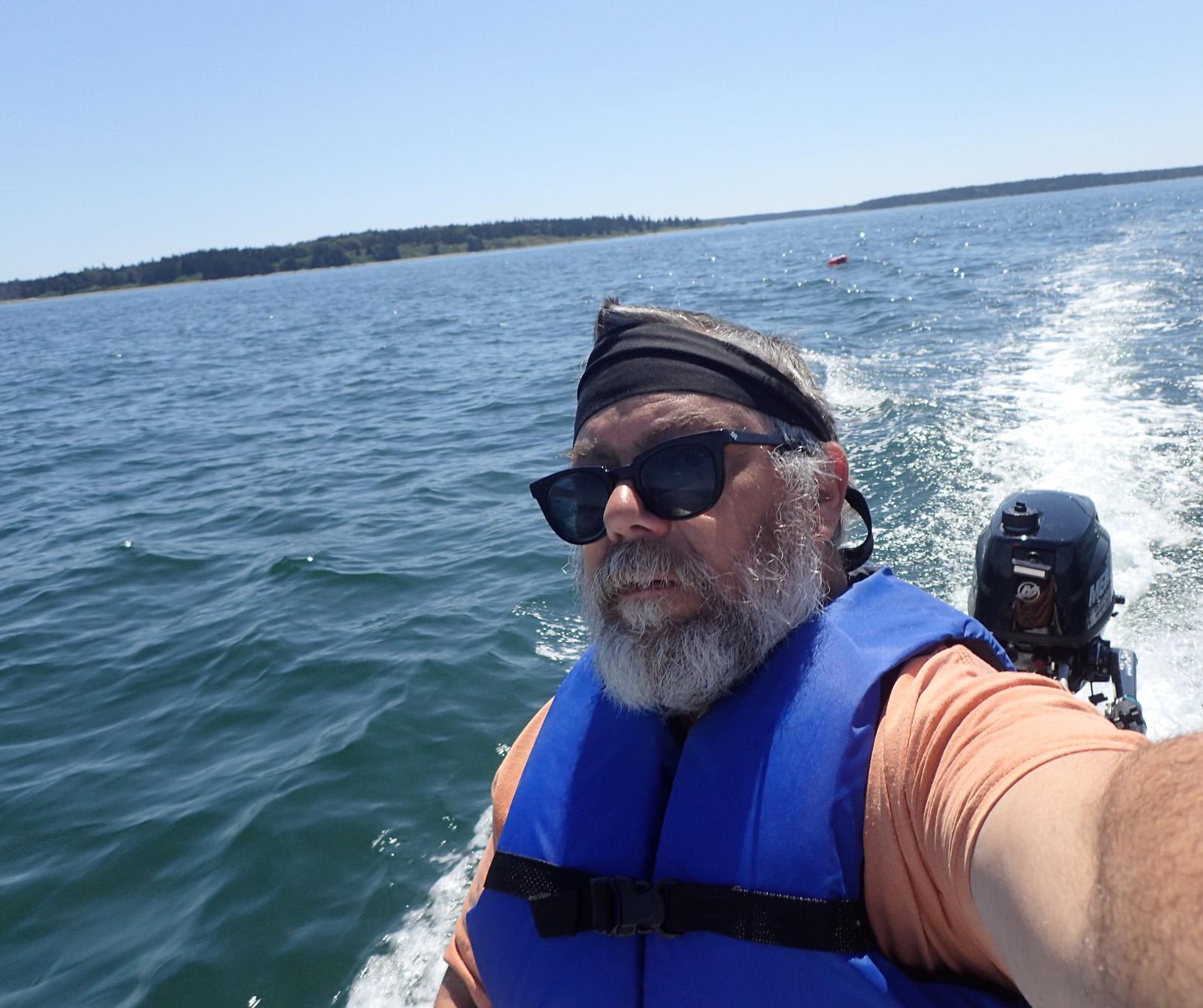Selfie driving the S4 between the islands