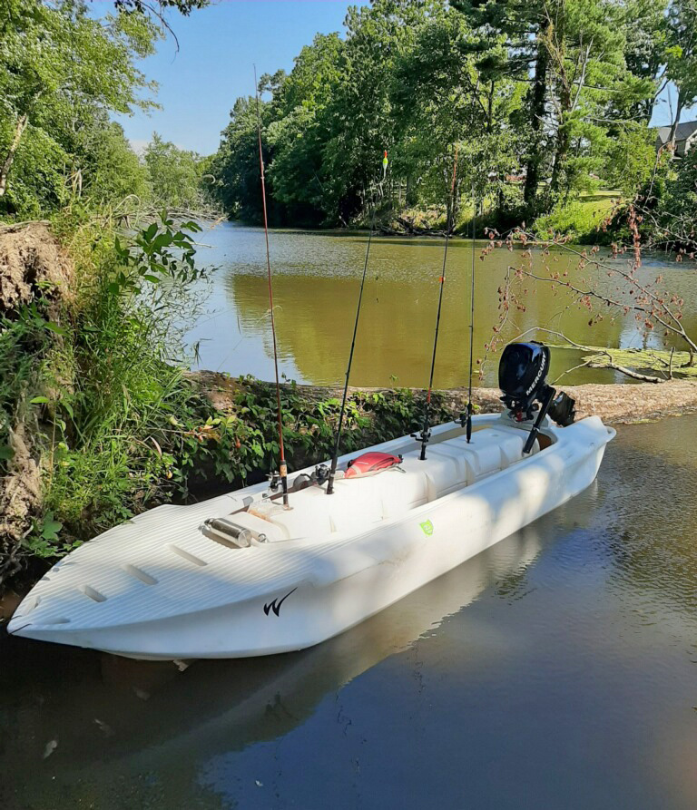 S4 microskiff in shallow water, Ohio